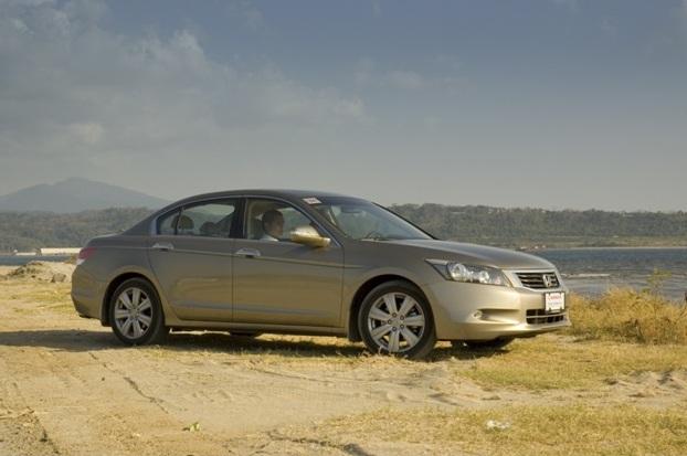 Honda Accord (front)