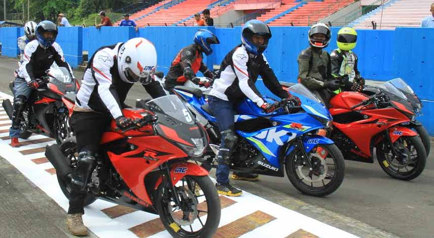 Suzuki Gsx R150 Mengajak Para Wartawan Untuk Melakukan Test Ride