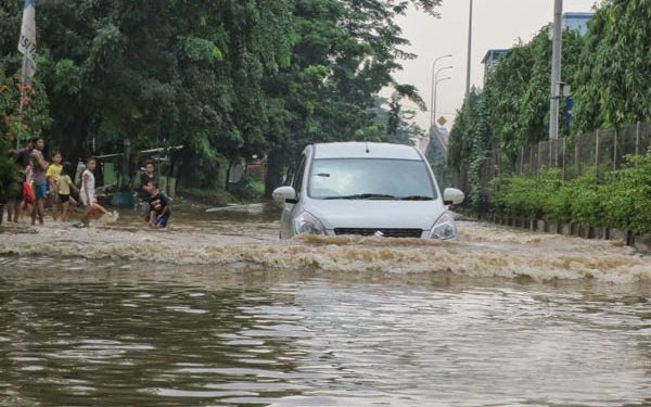 terjebak banjir