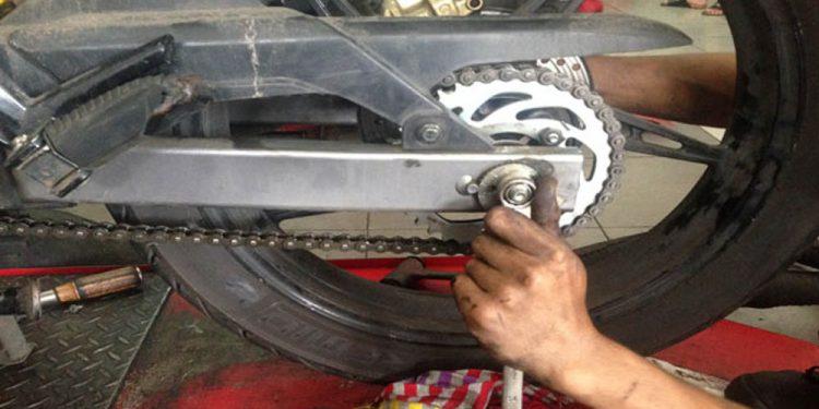 Langkah - Langkah Mengganti Rantai dan Gear Pada Sepeda Motor