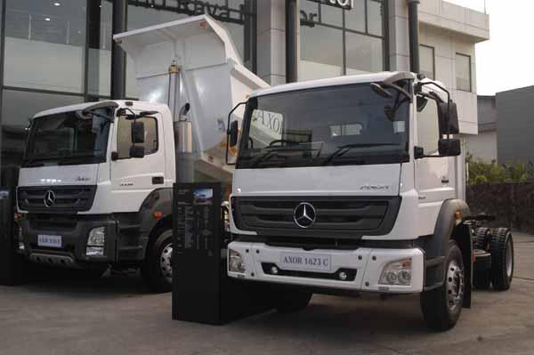Mercedes Benz Trucks >> Mercedes Benz Truck Mengeluarkan 5 Model Terbaru Di Indonesia