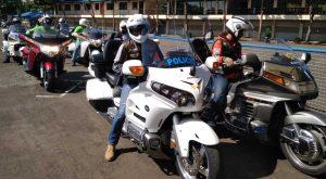 Rombongan motor touring sesaat sebelum memasuki area sirkuit.Foto/Carmudi Indonesia/Ben
