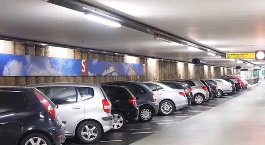 Hasil gambar untuk parkir mobil