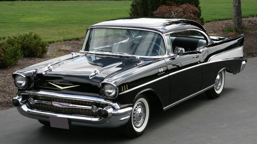 mobil yang bergaya amerika