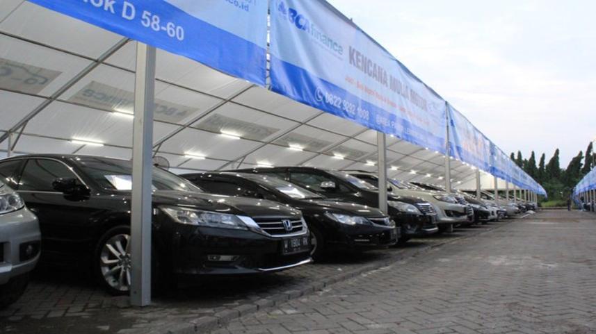 pasar mobil bekas