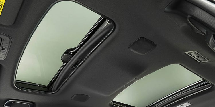 moonroof toyota voxy 2020