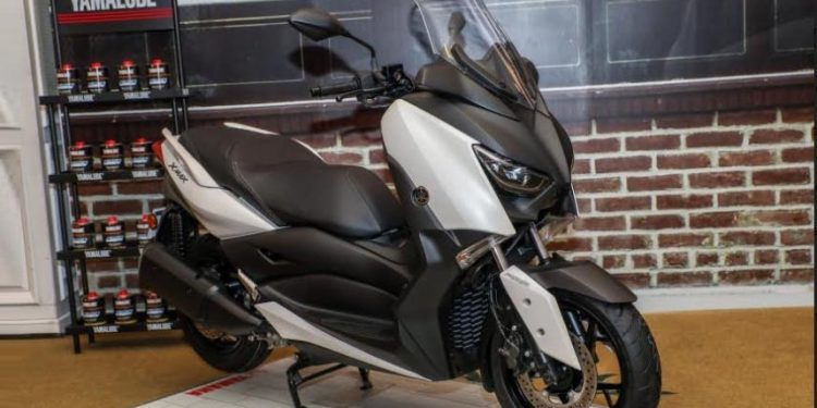 Yamaha XMax
