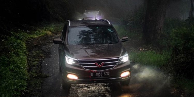 Test Drive Wuling Cortez