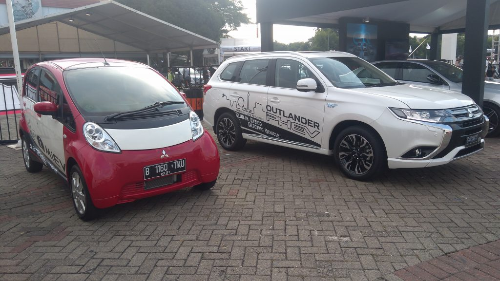 Mitsubishi Outlander PHEV dan i-MiEV