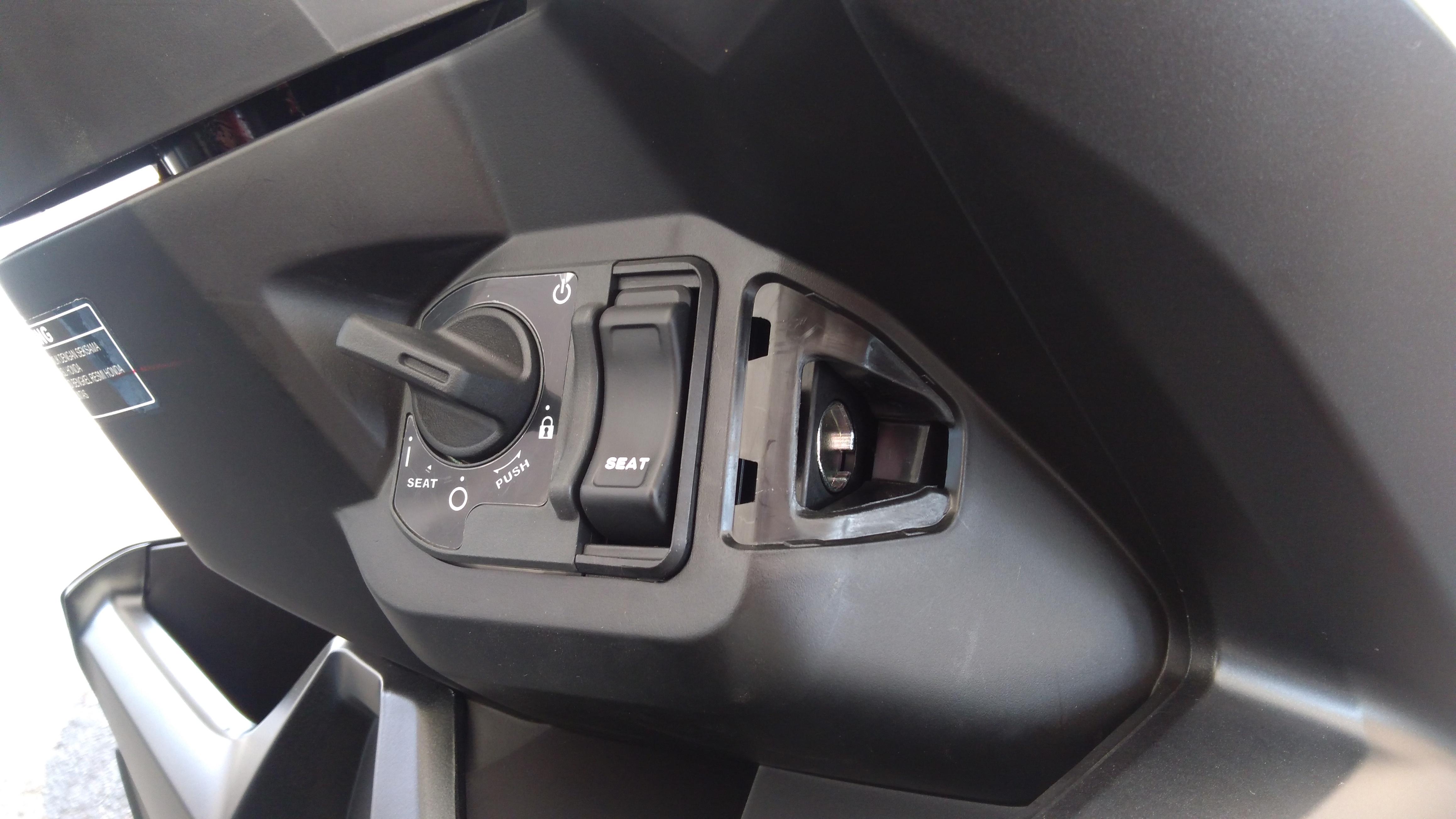 Jangan Sampai Salah Begini Cara Menggunakan Smart Key System Di Kunci Remote Electric Wireless Alarm Sepeda All New Honda Vario 150 Foto Santo Carmudi