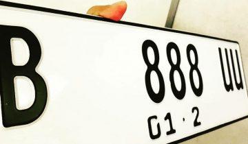 warna plat nomor
