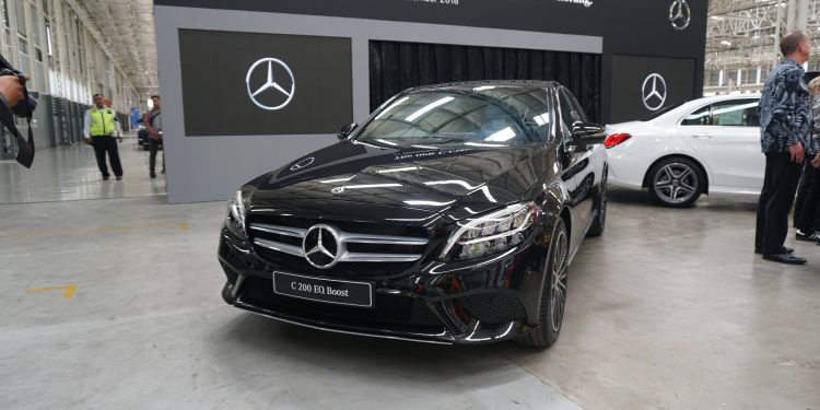 Ini Spesifikasi Dan Foto Mercedes C200 Eq Boost C300 Amg Line 2018