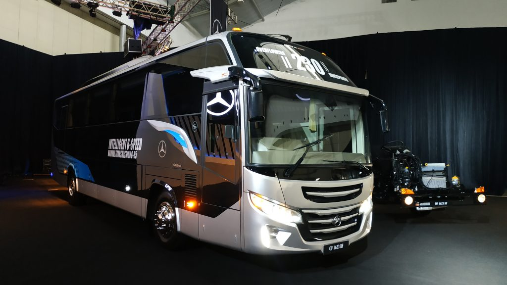 bus mercedes-benz