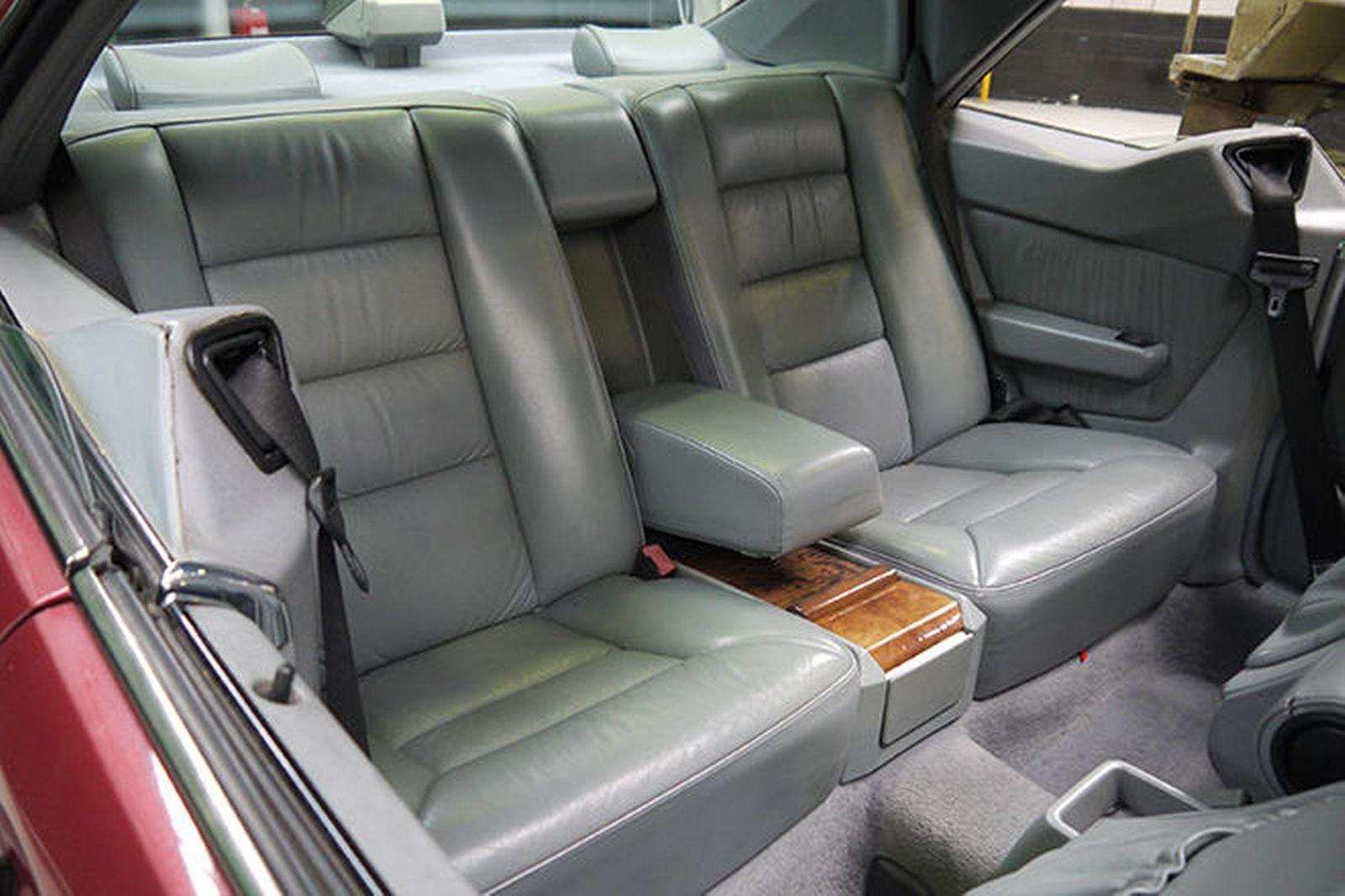 Interior Mercedes-Benz 300CE