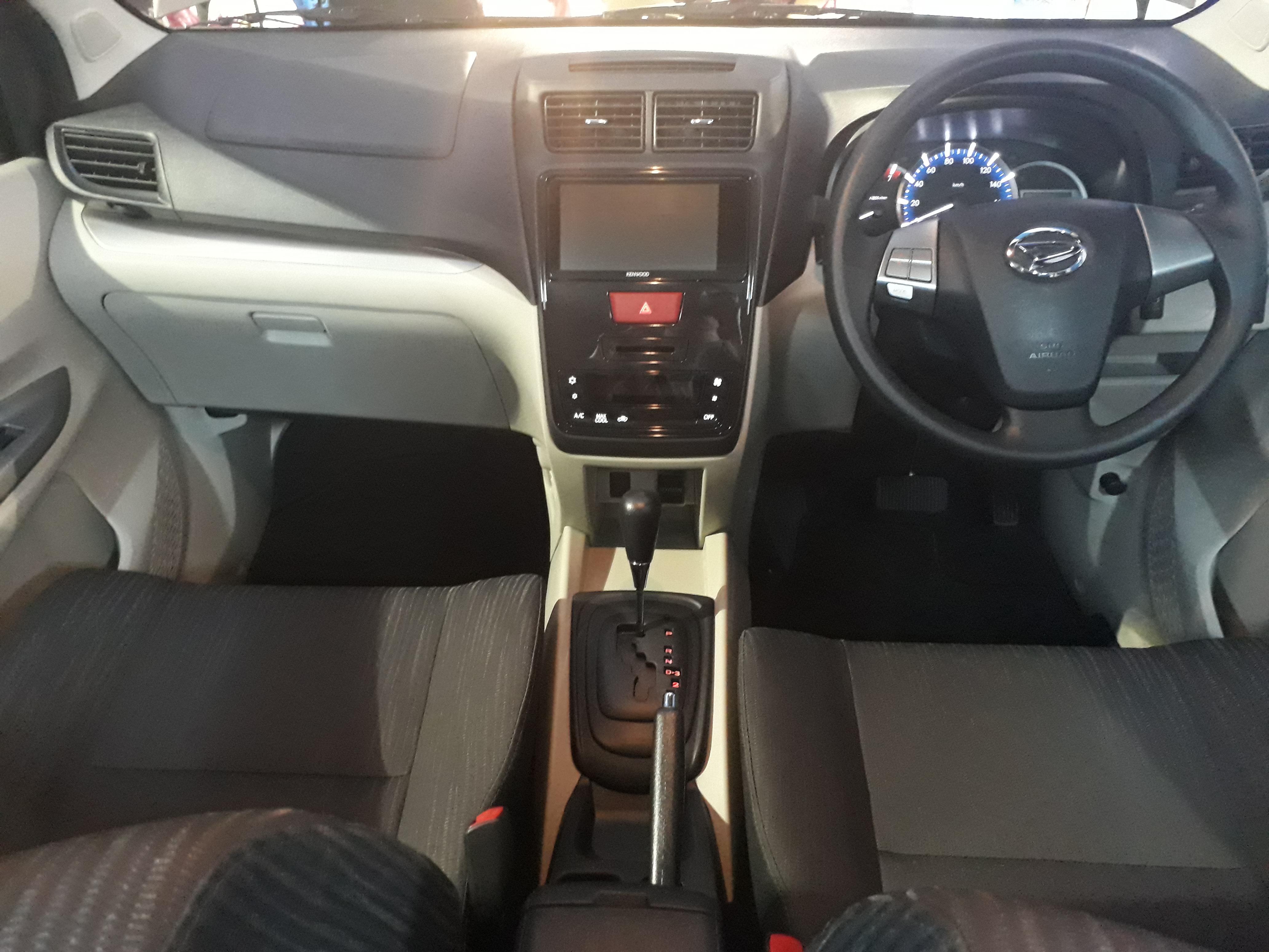 kabin depan daihatsu grand new xenia 1.5