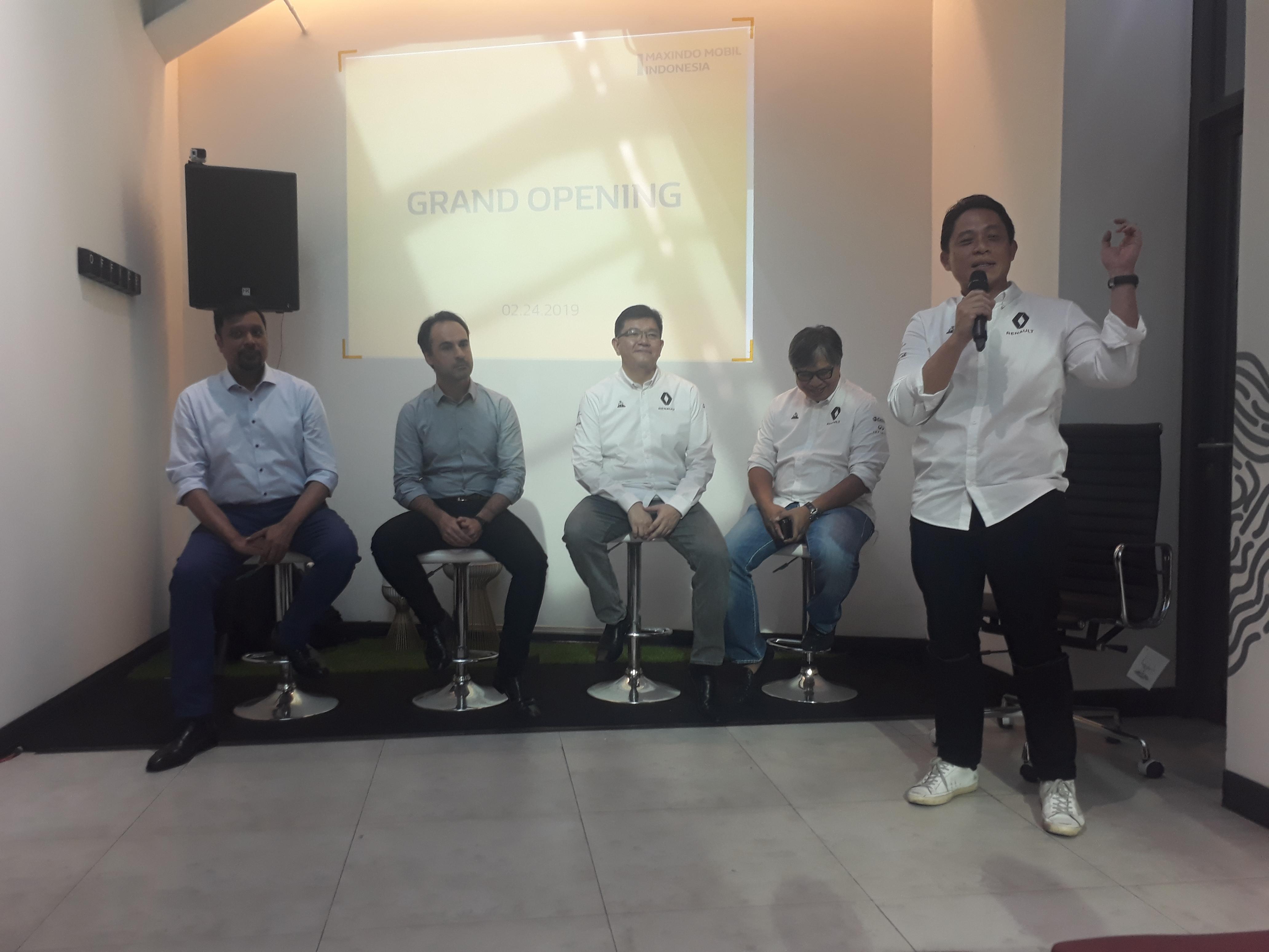 pembukaan outlet Renault Indonesia