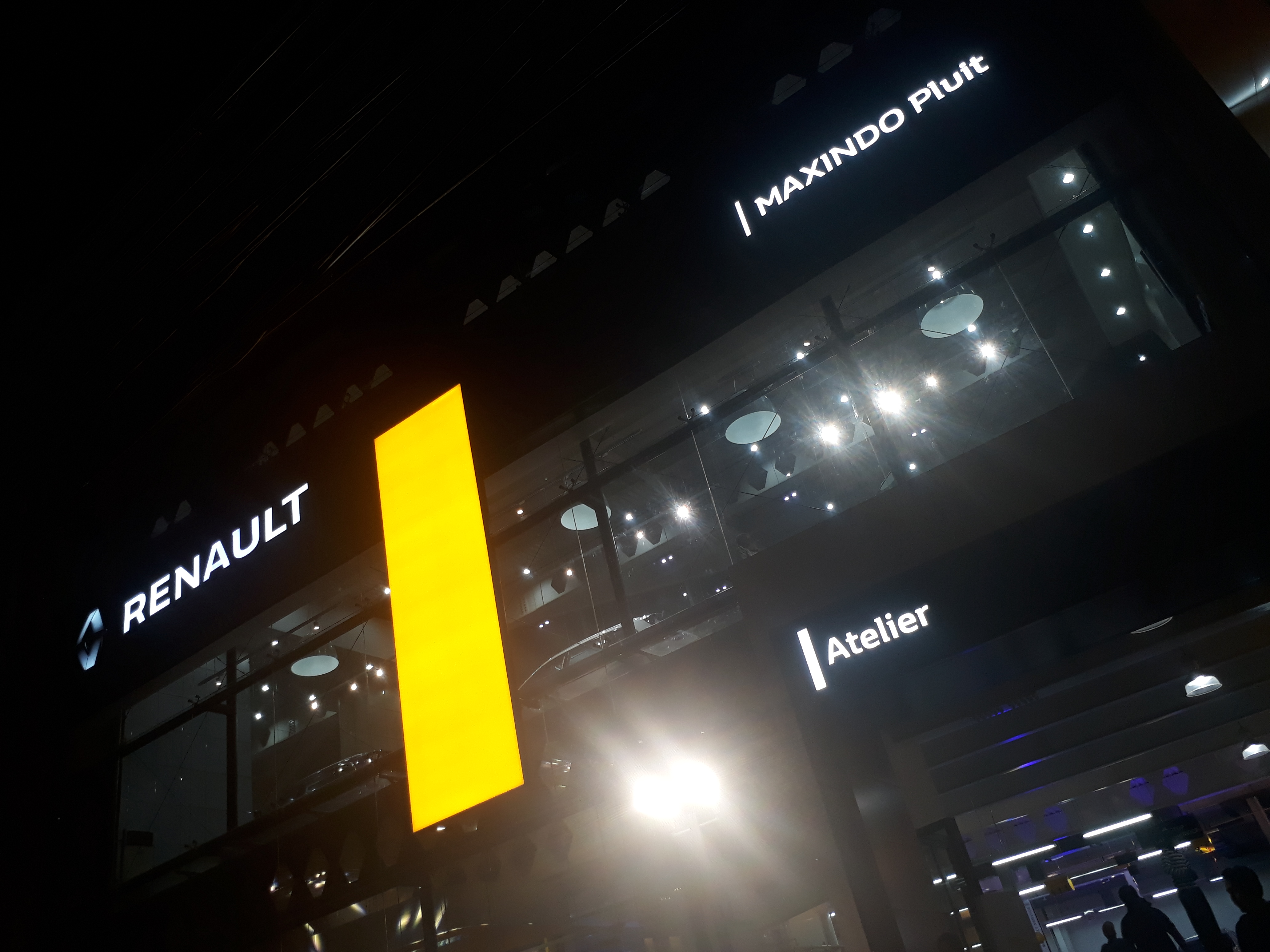 outlet Renault Indonesia pluit