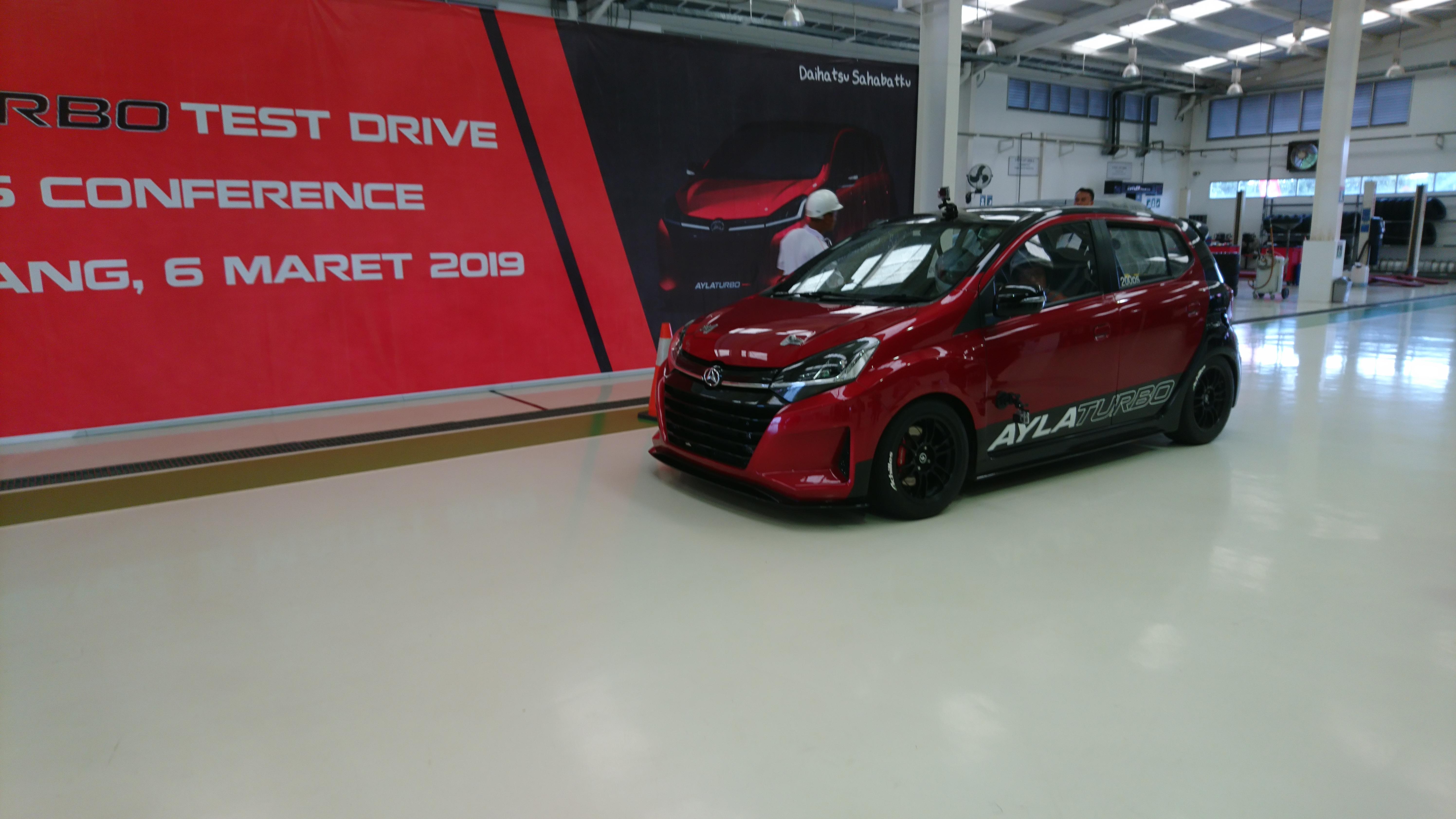 Test Drive Daihatsu Ayla Turbo