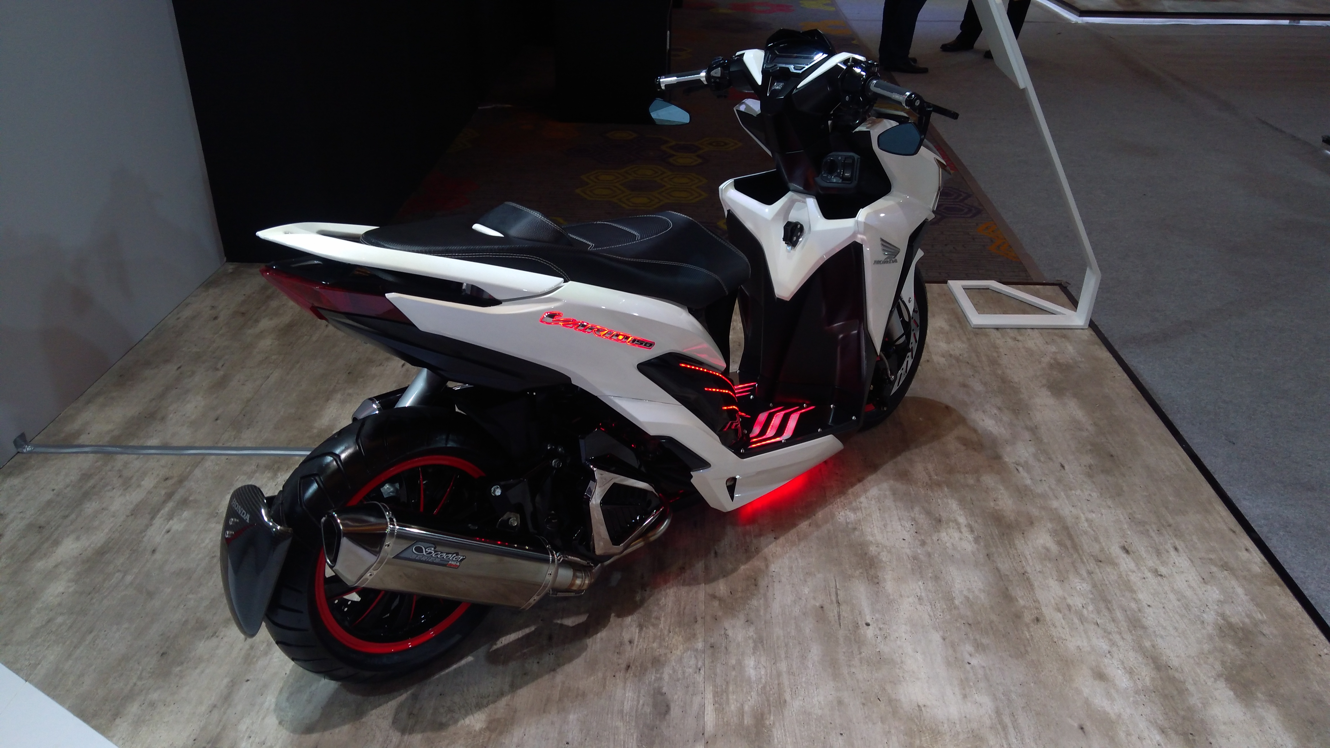 Modifikasi Futuristik Honda Vario 150 Kaki Kaki Pakai Air