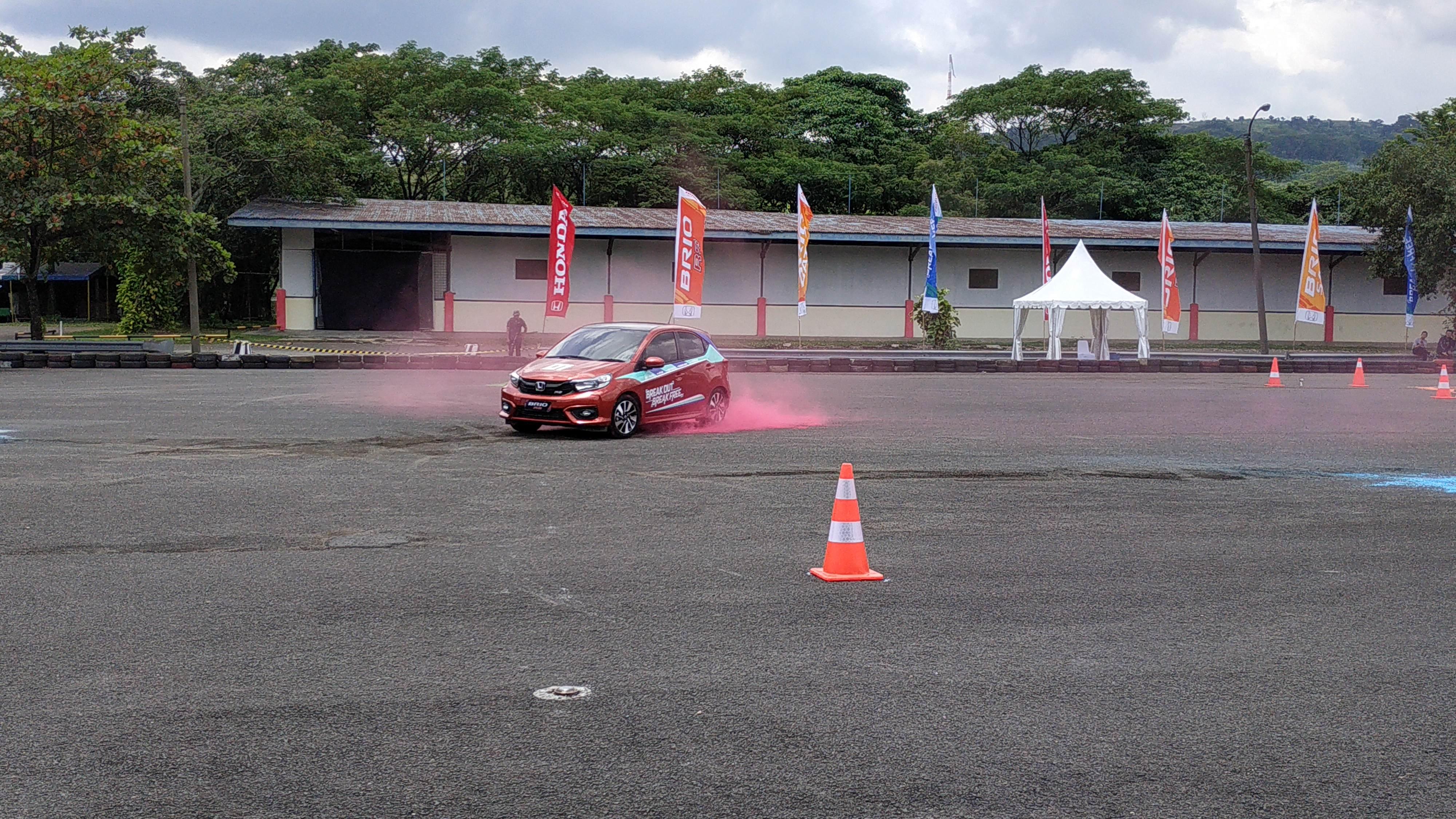 Test Drive Honda Brio Baru