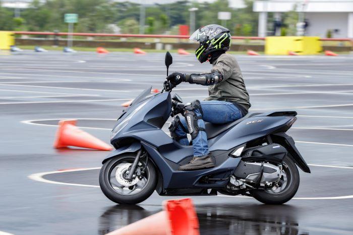 Kepraktisan Honda PCX 160