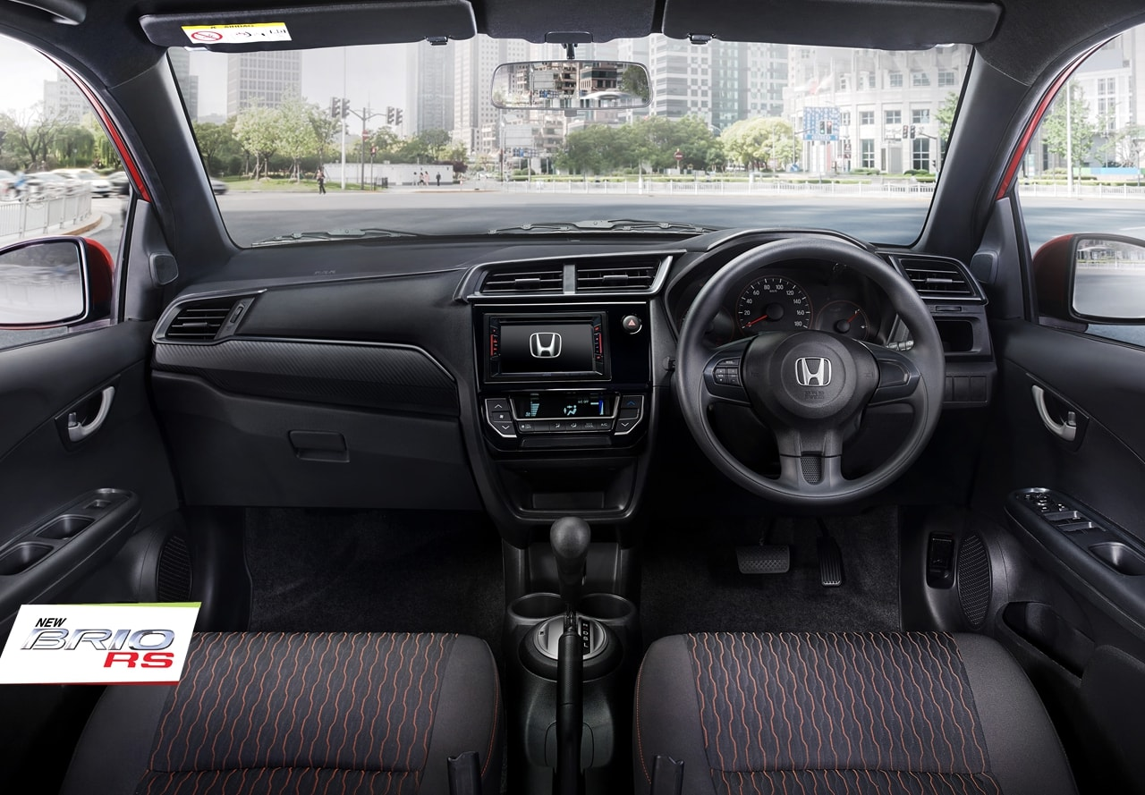 Tampak Interior Dashboard Honda Brio