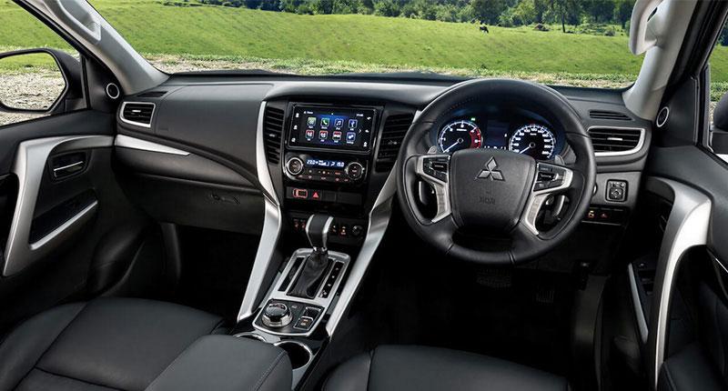 Tampilan Dashboard Mitsubishi Pajero Sport
