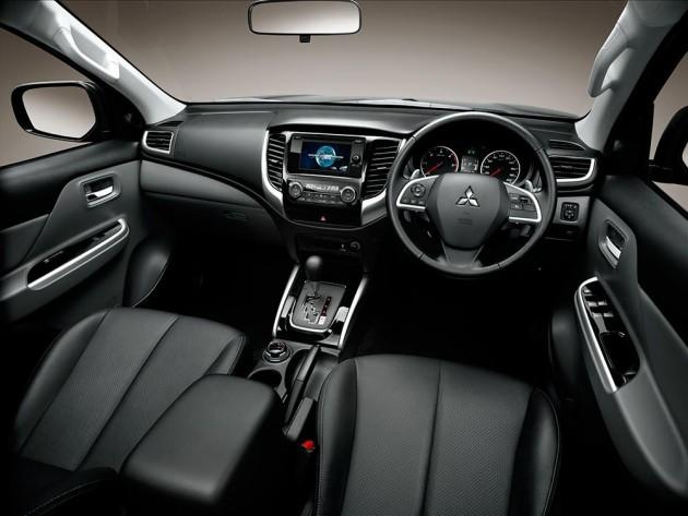 Tampilan Dashboard Mitsubishi Triton  4 x 4 2018