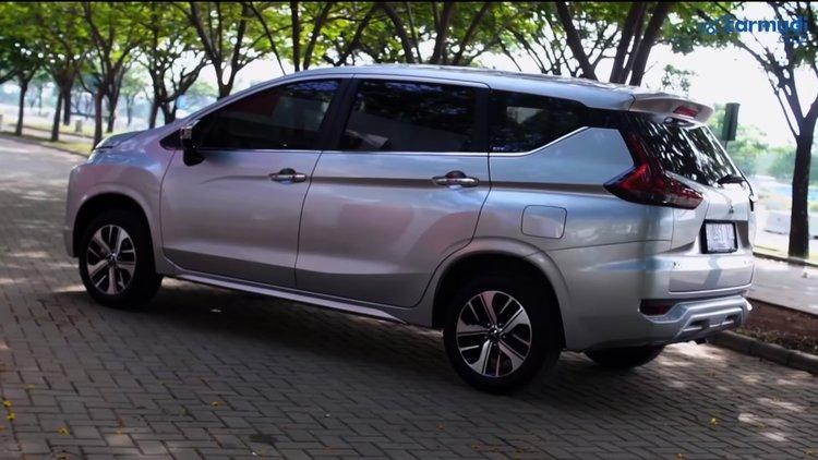 Tampak Samping Mitsubishi Xpander Baru
