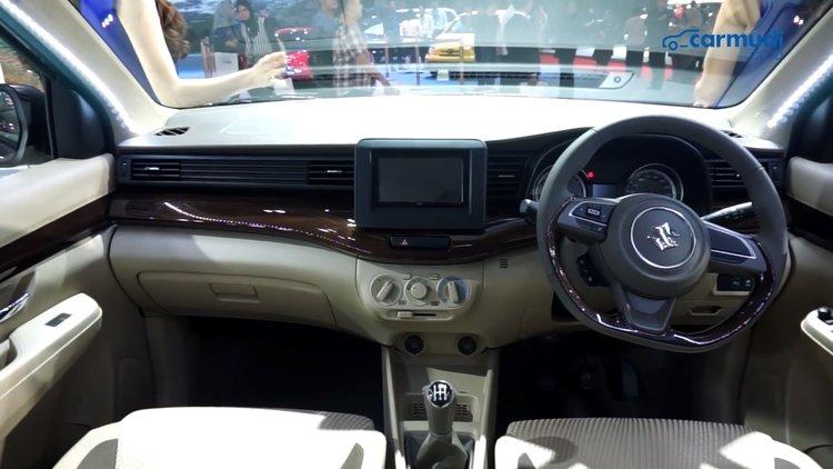 Tampilan Dashboard Suzuki Ertiga Baru di Indonesia