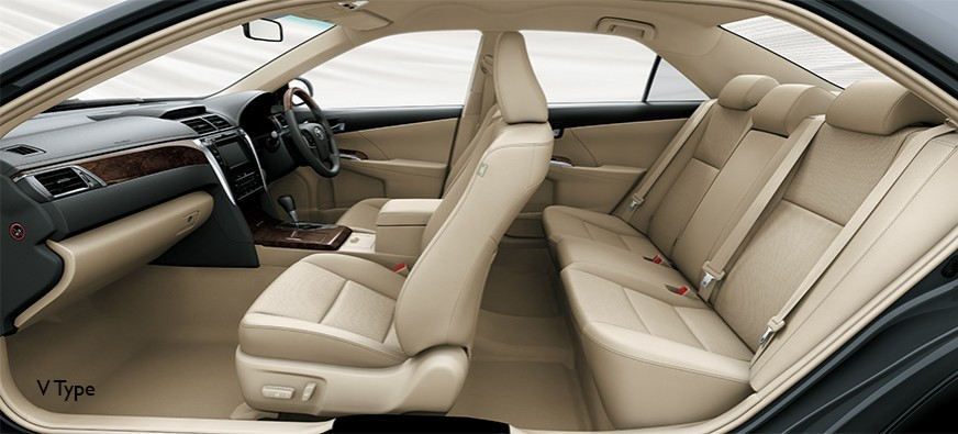 Interior Toyota Camry Baru dijual di Carmudi Indonesia