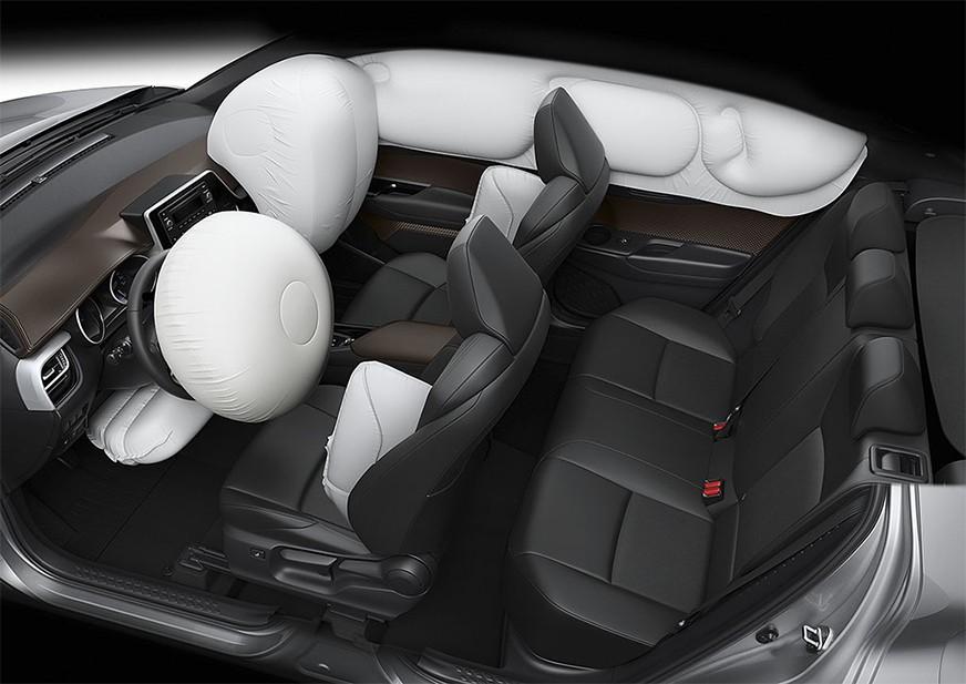 Tampilan Interior dan Airbags Toyota C-HR