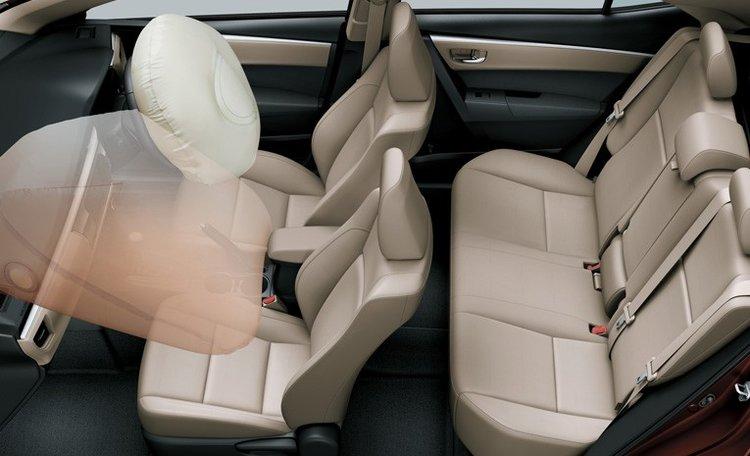 Tampilan interior Airbag Toyota Corolla Altis baru
