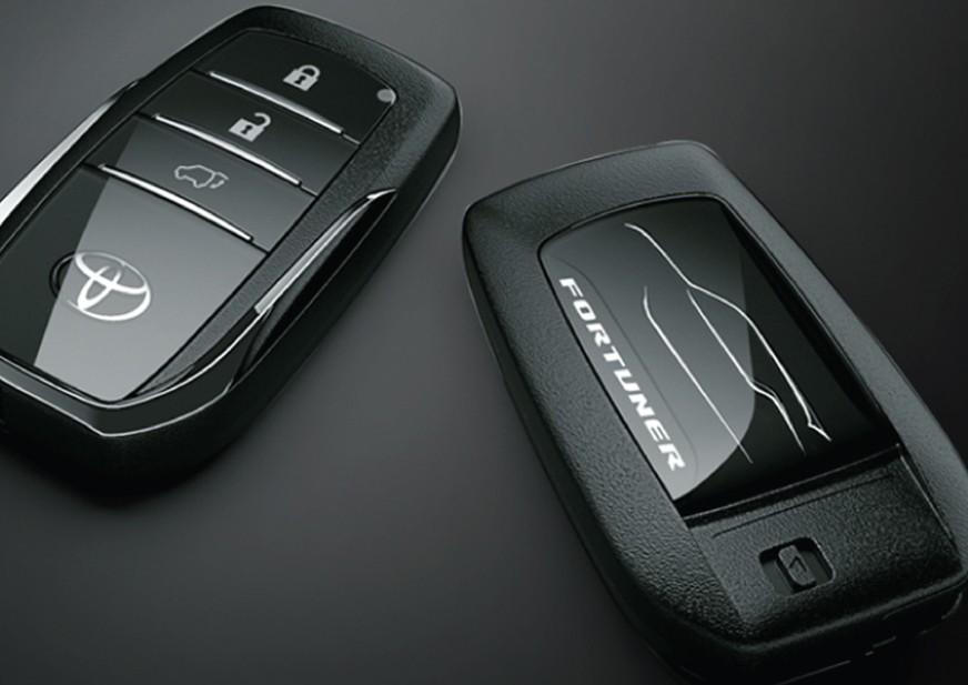 Kunci Mobil Toyota Fortuner
