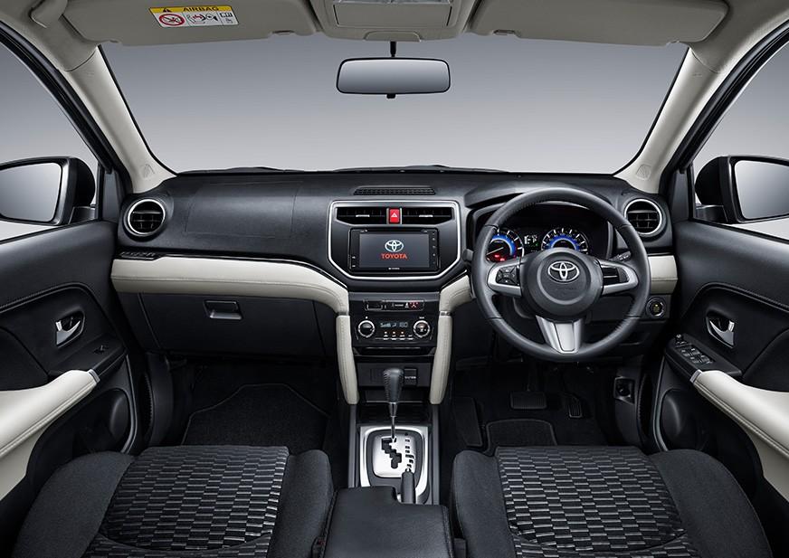 Tampilan Dashboard Toyota Rush Baru dijual di Carmudi Indonesia