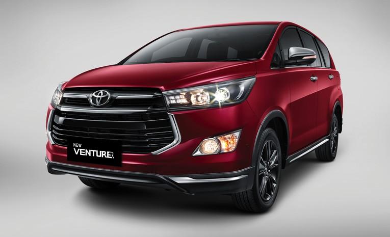 Tampak Depan Toyota Venturer 2019