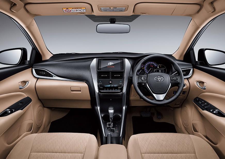 Tampilan kursi pengemudi dan penumpang Toyota Vios baru